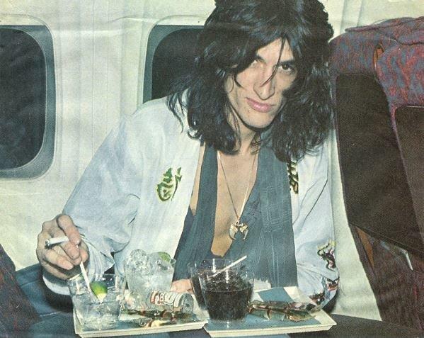 Aerosmith / Joe Perry with Tray of Drinks On Plane | Magazine Photo (1976)