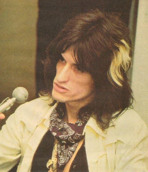 Aerosmith / Joe Perry at Microphone, White Jacket | Magazine Photo (1976)