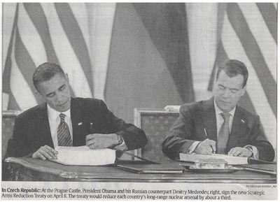 Obama, Barack / In Czech Republic | Newspaper Photo | November 2010