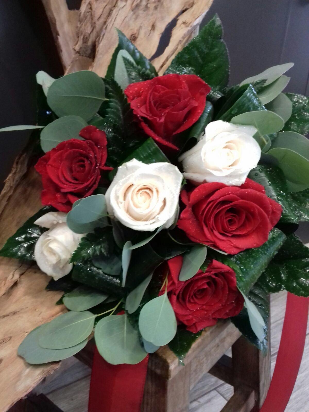 Rosas Vermelhas e Brancas 00139