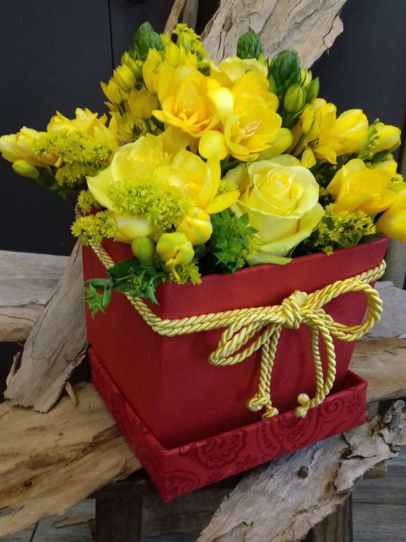 Caixa de Rosas Amarelas