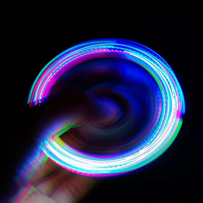 Fidget Spinner Avec Lumiere - Focus - Plastic 3 Sides - ROUGE