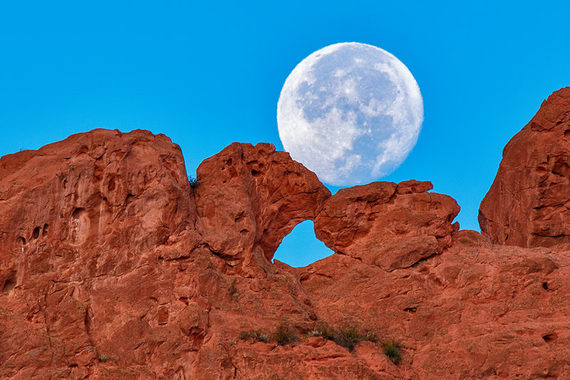 "20"" x 30"" METAL PRINT of Garden of the Gods Moonset, Colorado"