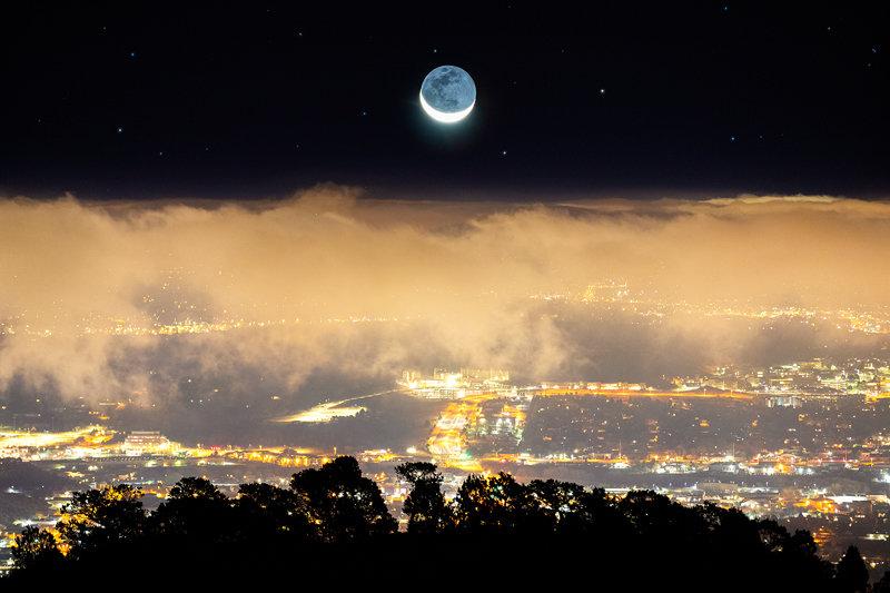"""20"""" x 30"""" Canvas Wrap of Colorado Springs Moonrise, Colorado"""