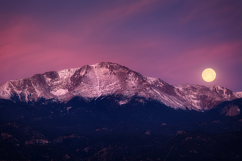"32"" x 48"" Canvas Wrap of Pikes Peak Moonset, Colorado"