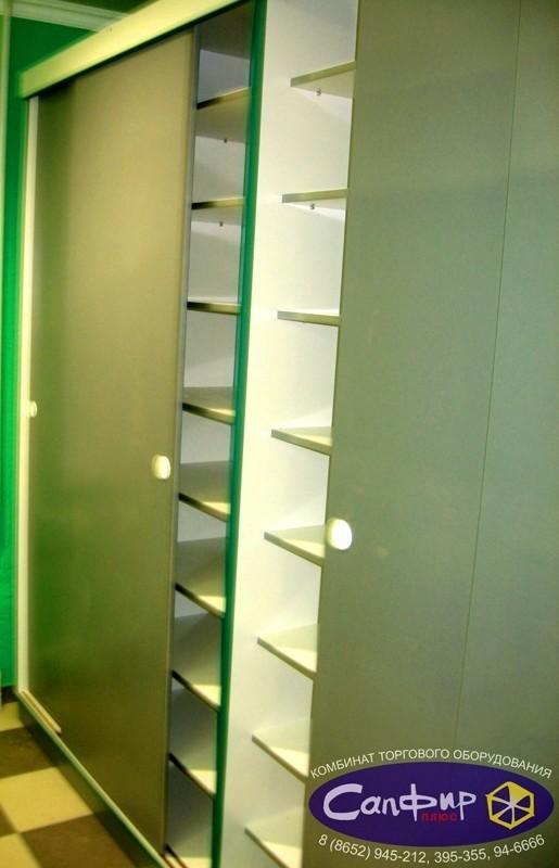 Шкаф - купе для аптеки