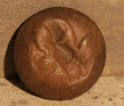 JUST ADDED ON 3/6 - THE BATTLE OF GETTYSBURG / AREA BEHIND THE ROUND TOPS - Eagle Coat Button