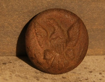JUST ADDED ON 3/27 - THE BATTLE OF GETTYSBURG / AREA BEHIND THE ROUND TOPS - Union Soldier's Eagle Coat Button