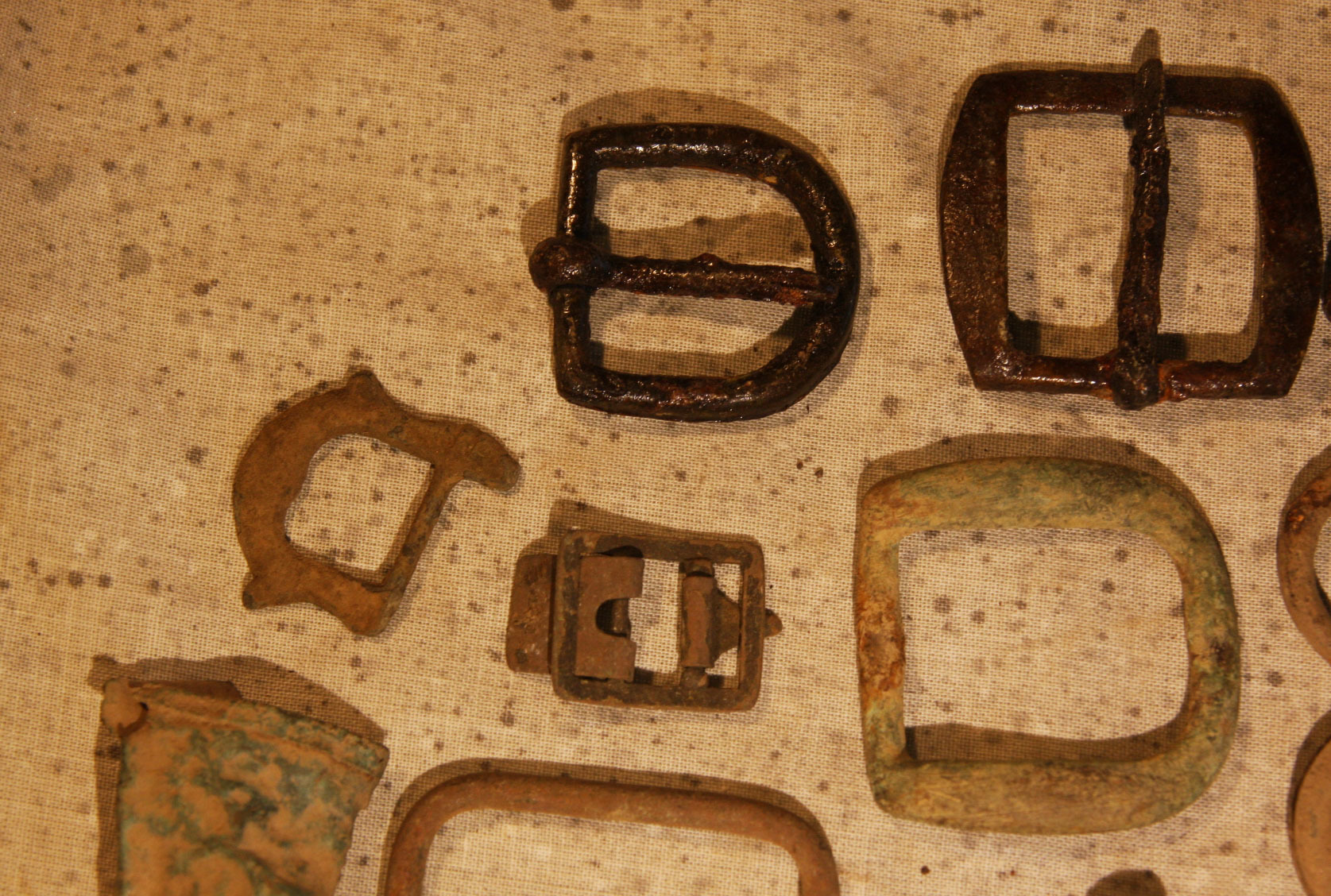 JUST ADDED ON 5/22 - CENTREVILLE, VIRGINIA / BULL RUN AREA - 14 Artifacts - Mostly Brass & Iron Buckles -  with Original Typed Label