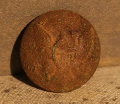 JUST ADDED ON 5/22 - THE BATTLE OF GETTYSBURG / AREA BEHIND THE ROUND TOPS - Eagle Coat Button