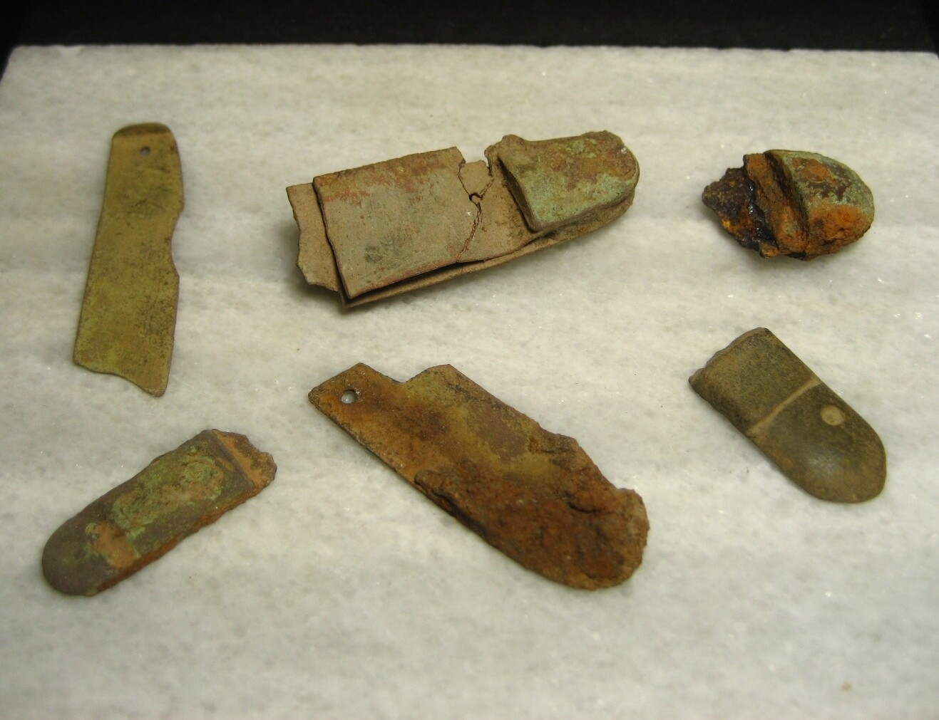 JUST ADDED ON 9/12 - THE BATTLE OF GETTYSBURG / AREA BEHIND THE ROUND TOPS - Pieces of Soldier's Pocket Knives