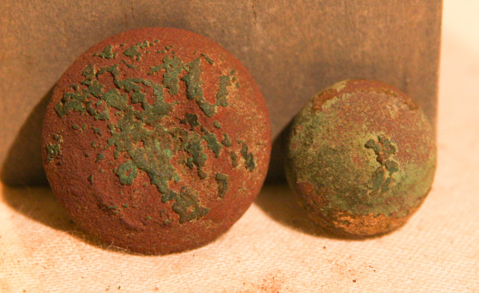 JUST ADDED ON 10/31 - 1861-1862 ZOUAVE WINTER CAMP NEAR POOLESVILLE, MD - Eagle Coat Button & Zouave Cuff Button