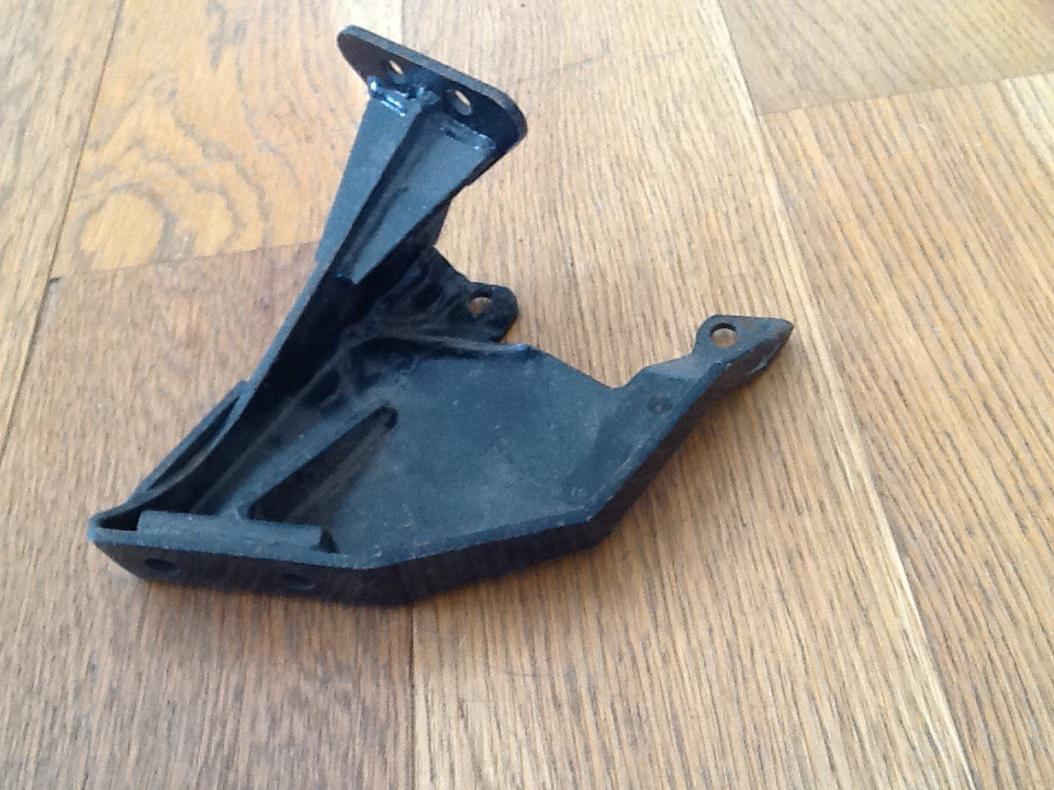 Engine Mount Bracket Murena 1.6 02003
