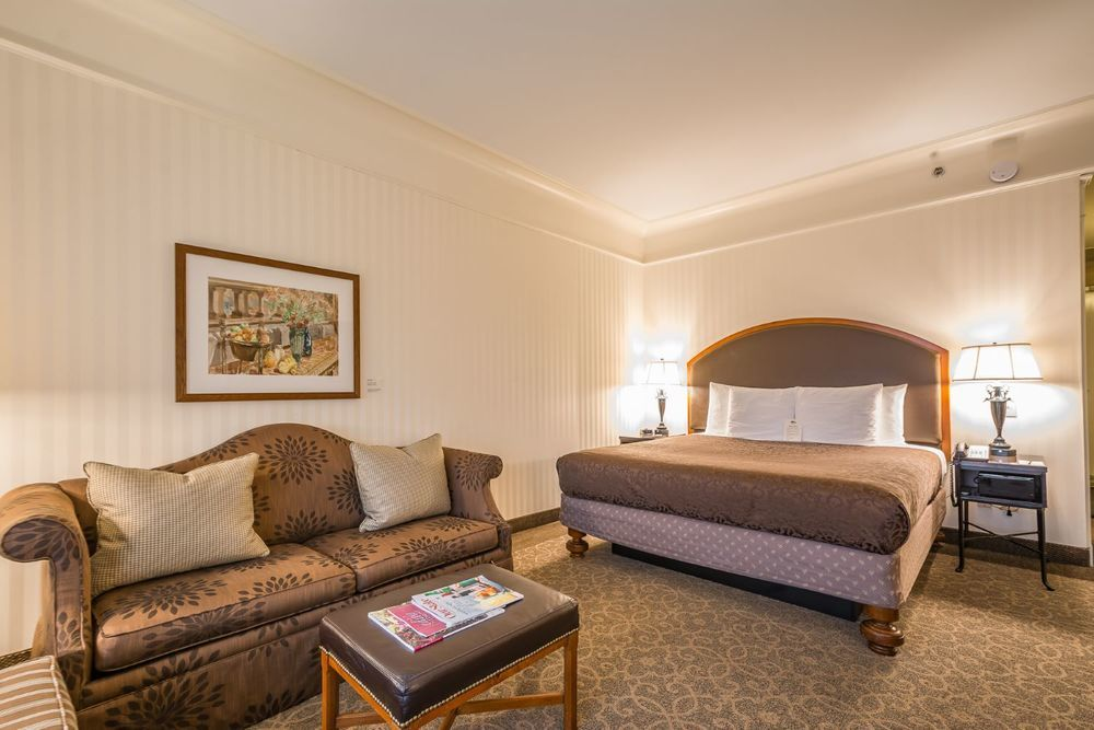 O.Henry Hotel One Night's Stay - King Room & Breakfast