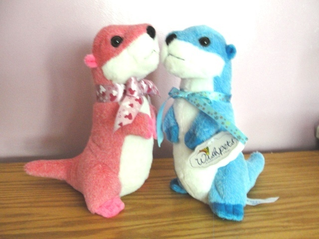 10 Inch Standing River Otter