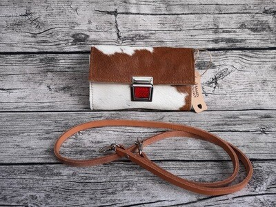 KUHIE®, Clutch aus Kuhfell und Leder / braun-weiß