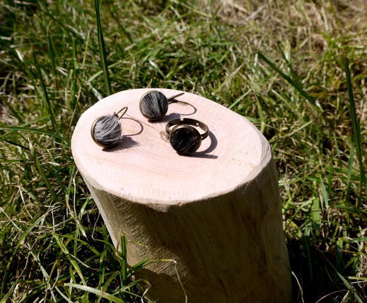 KUHIE®, Kuhfellring und Kuhfellohrringe als Set in silber oder bronzefarben, Kuhfell schwarz-weiß