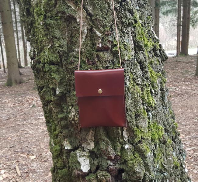 KUHIE® LeatherArt - Brustbeutel aus cognacfarbenem Leder