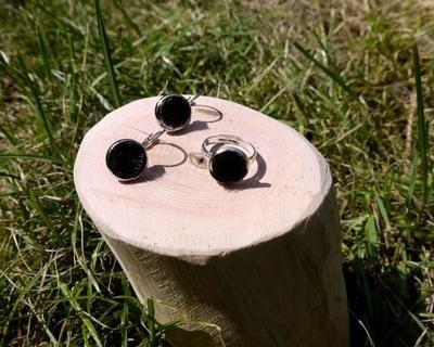 KUHIE®, Kuhfellring und Kuhfellohrringe als Set in silber oder bronzefarben