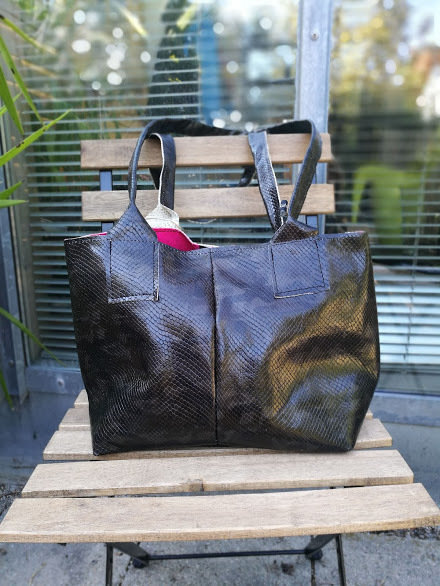 "KUHIE®, Ledertasche Model ""Shoppie"" schwarz"