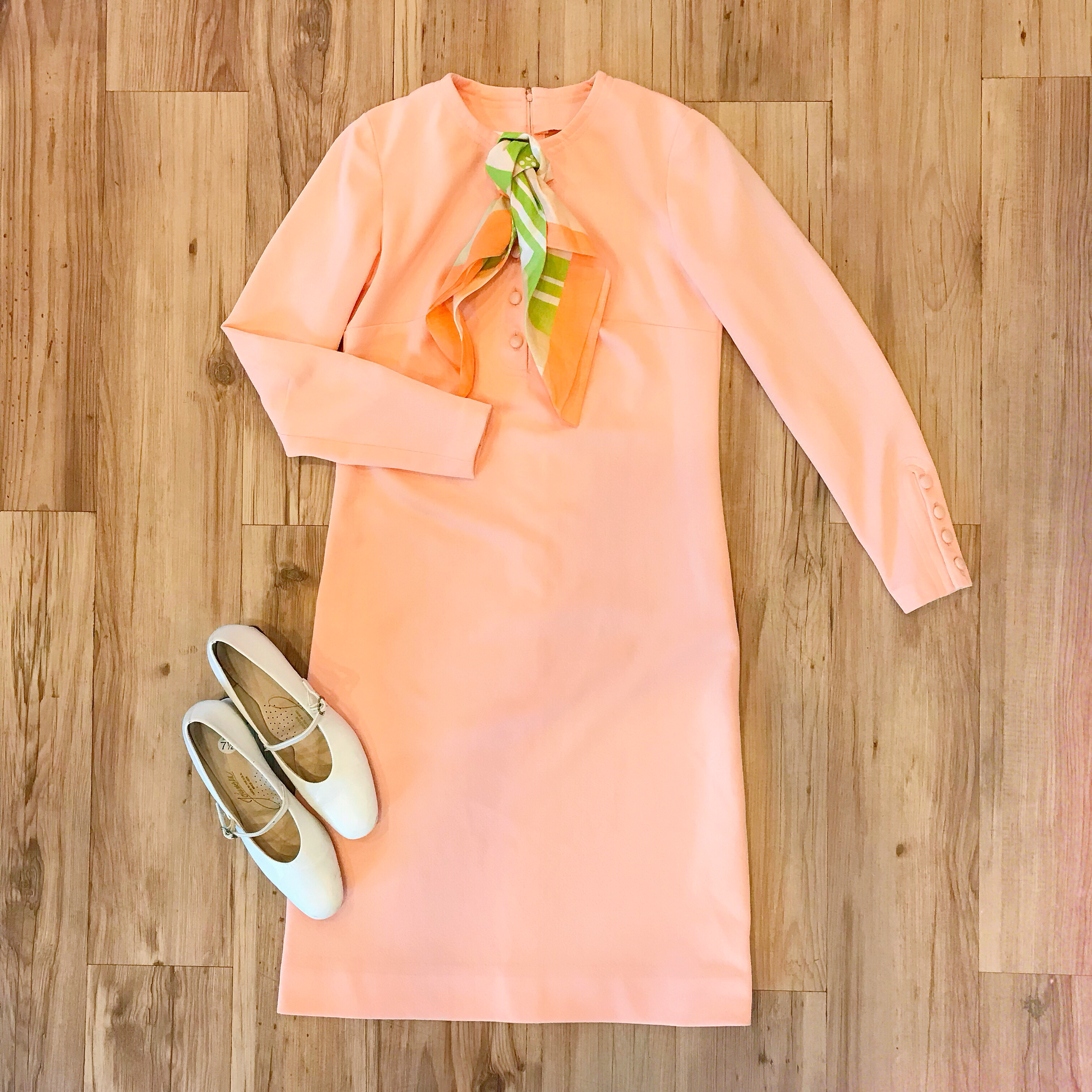 1960s Peach Shift Dress 00014