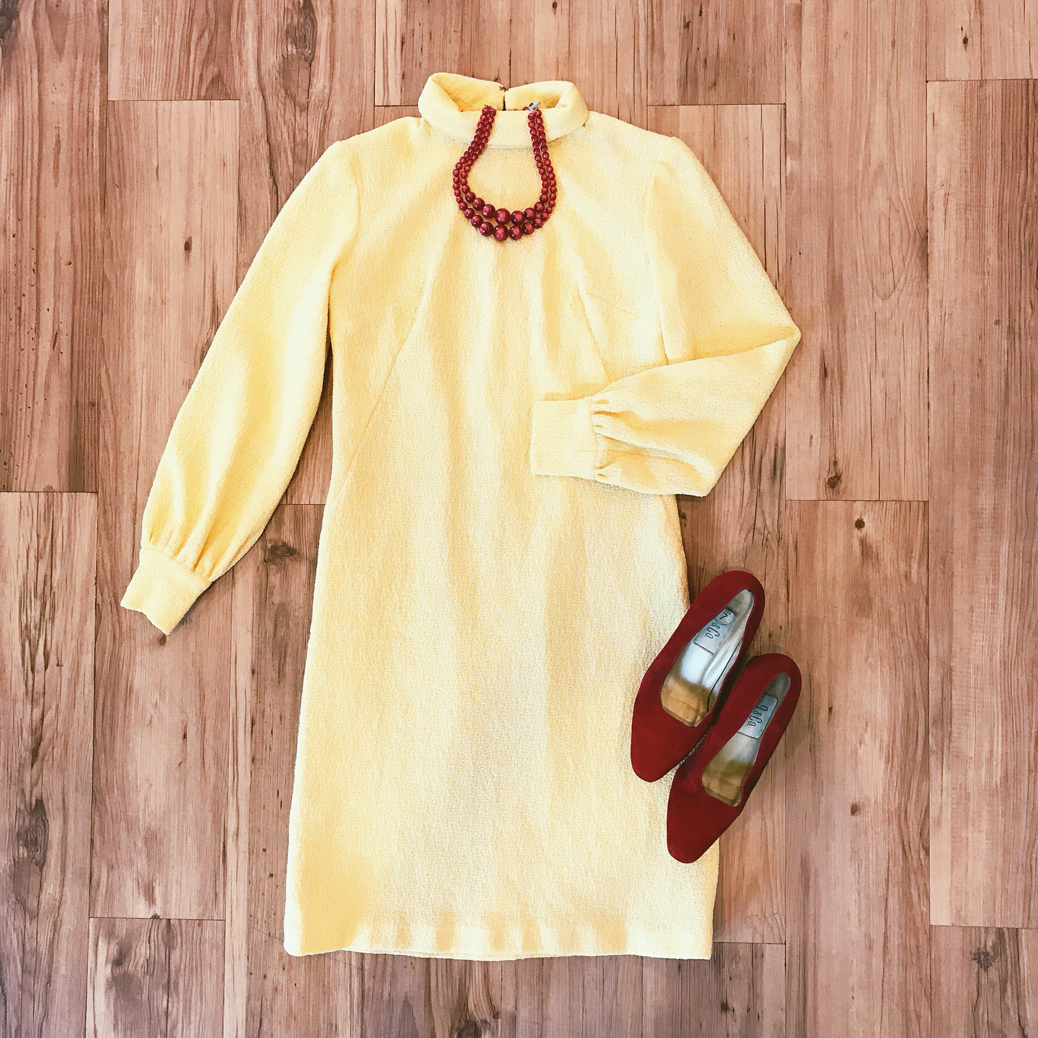 1960s Banana Shift Dress 00015