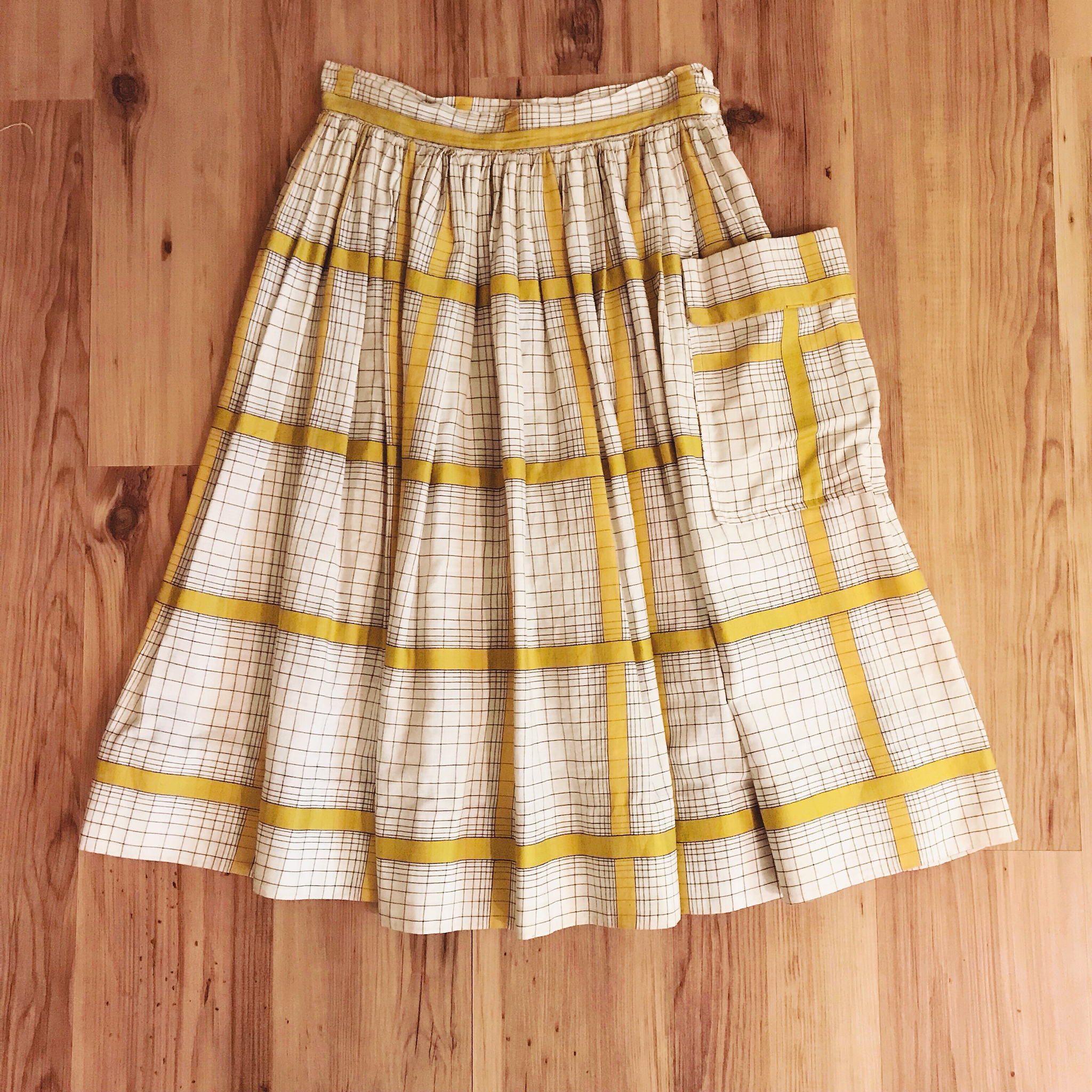 1950s One-Pocket Plaid Skirt