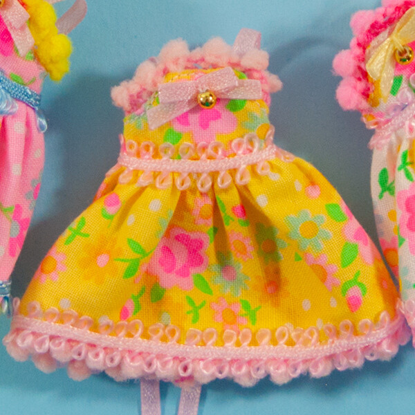 Floral Fancy for Petite Blythe - Yellow with Pink Trim