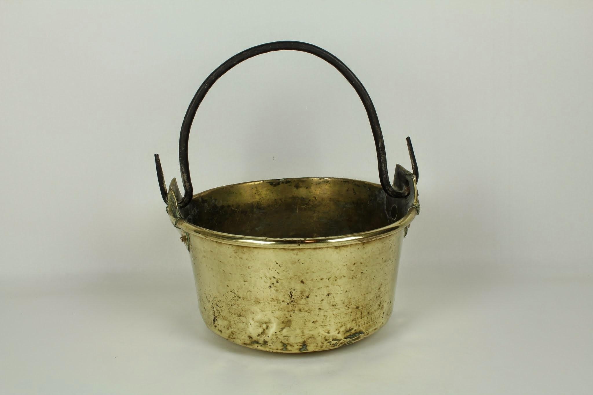 Brass Cauldron 0158