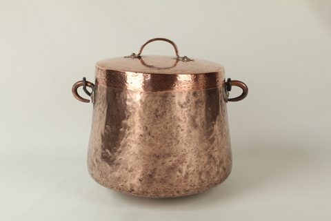 Pot with Lid 0170