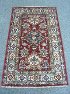 Fine Pakistan Rug Sold.