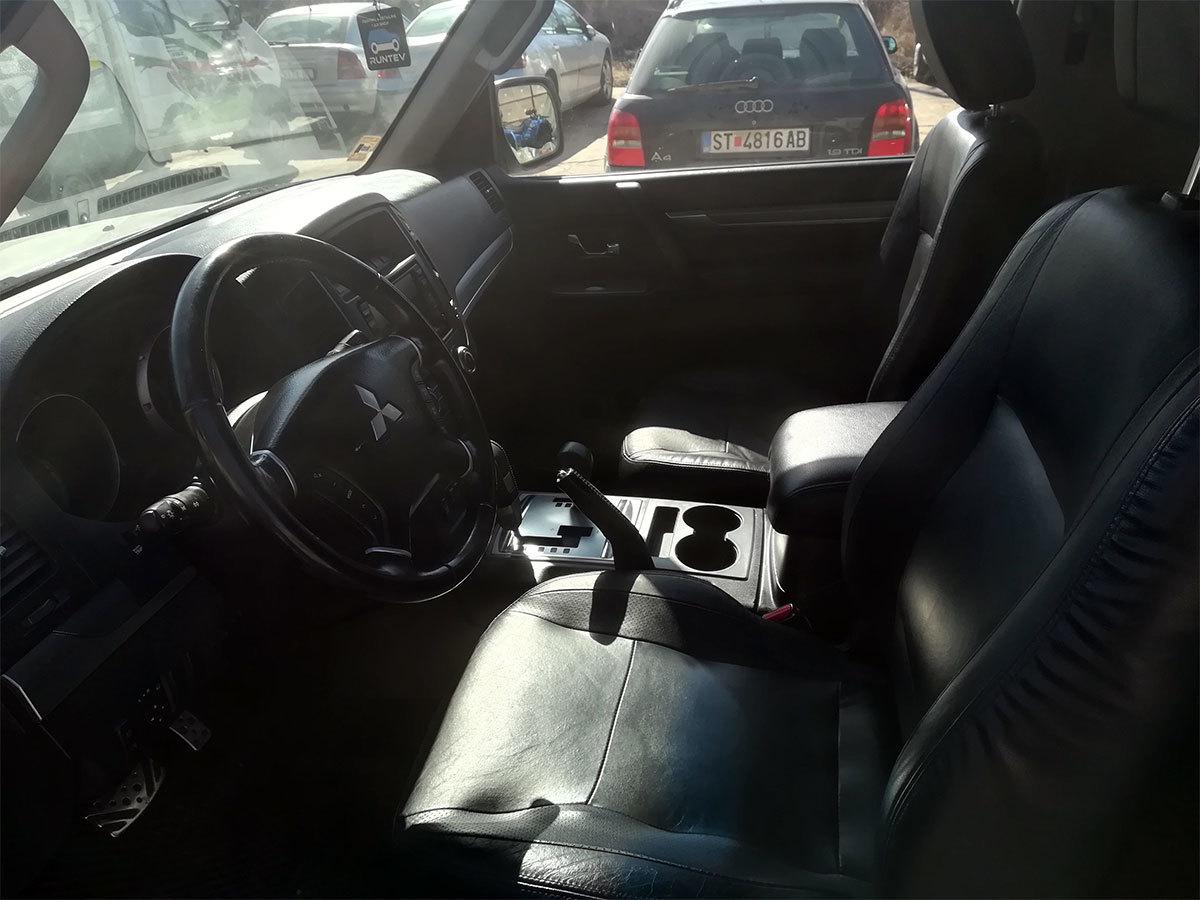 Mitsubishi Pajero 3.2 full oprema