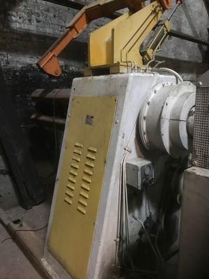 10,000 lbs Capacity Powered Minster Coil Reel 32