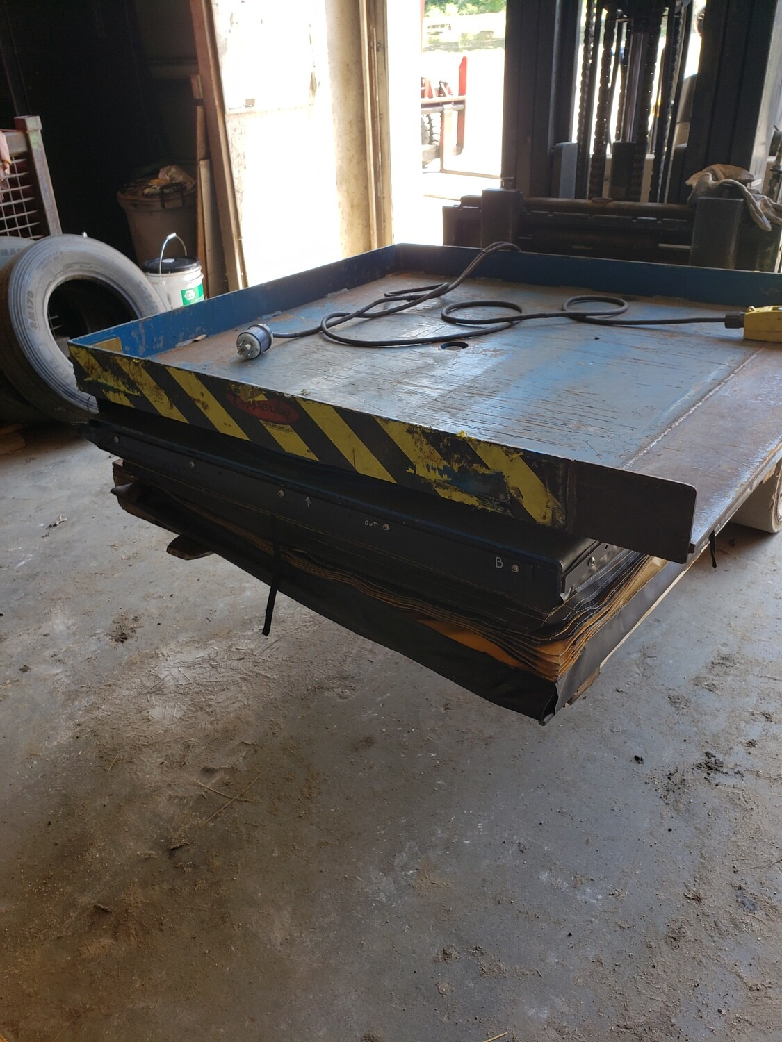 4,000 lb Capacity Copperloy Lift Table For Sale