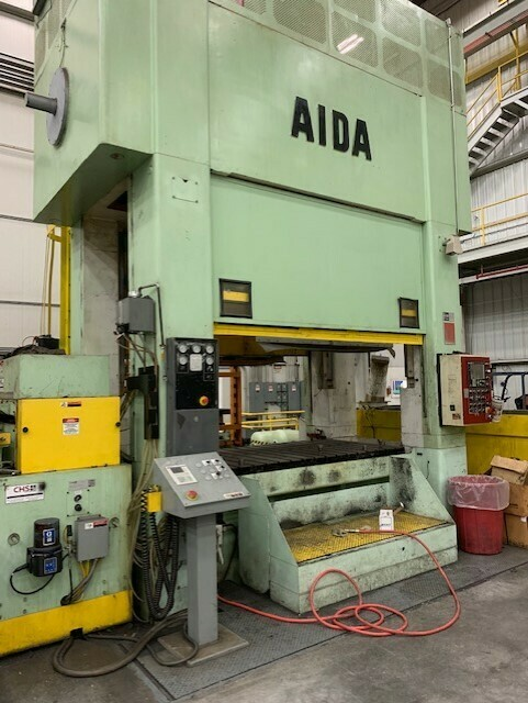 449 Ton Capacity Aida Straight Side Link Motion Press For Sale