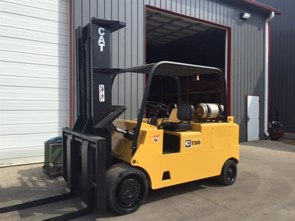30,000lb CAT Caterpillar Forklift For Sale