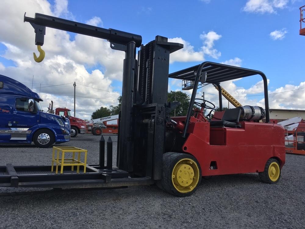 30,000lb CAT T300 Forklift For Sale