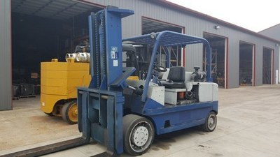 30,000lb CAT Forklift For Sale - Used T300 Fork Truck