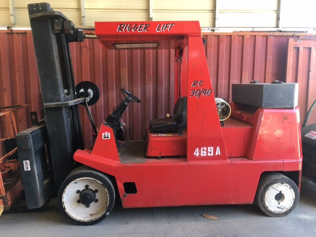 30,000lb. to 40,000lb. Capacity Rigger Lift Forklift For Sale 30kto40kCapacityRiggerLiftFLFS