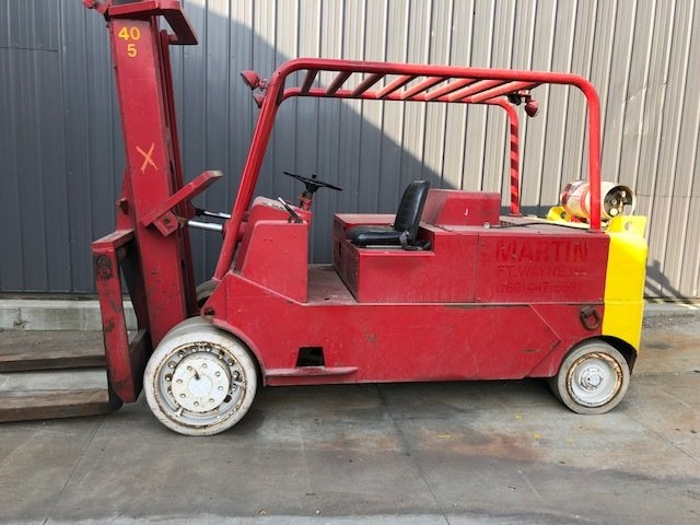 40,000lbs CAT Solid-Tire Forklift For Sale