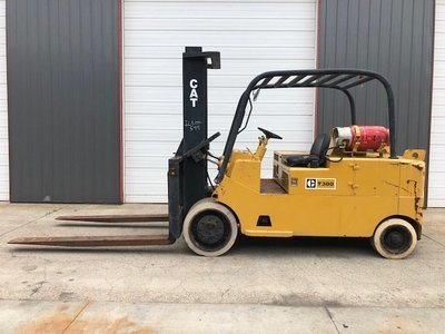 30,000lb CAT T300 Forklift For Sale