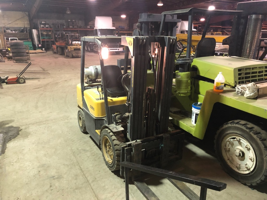 30,000 lb. Capacity Clark Forklift For Sale