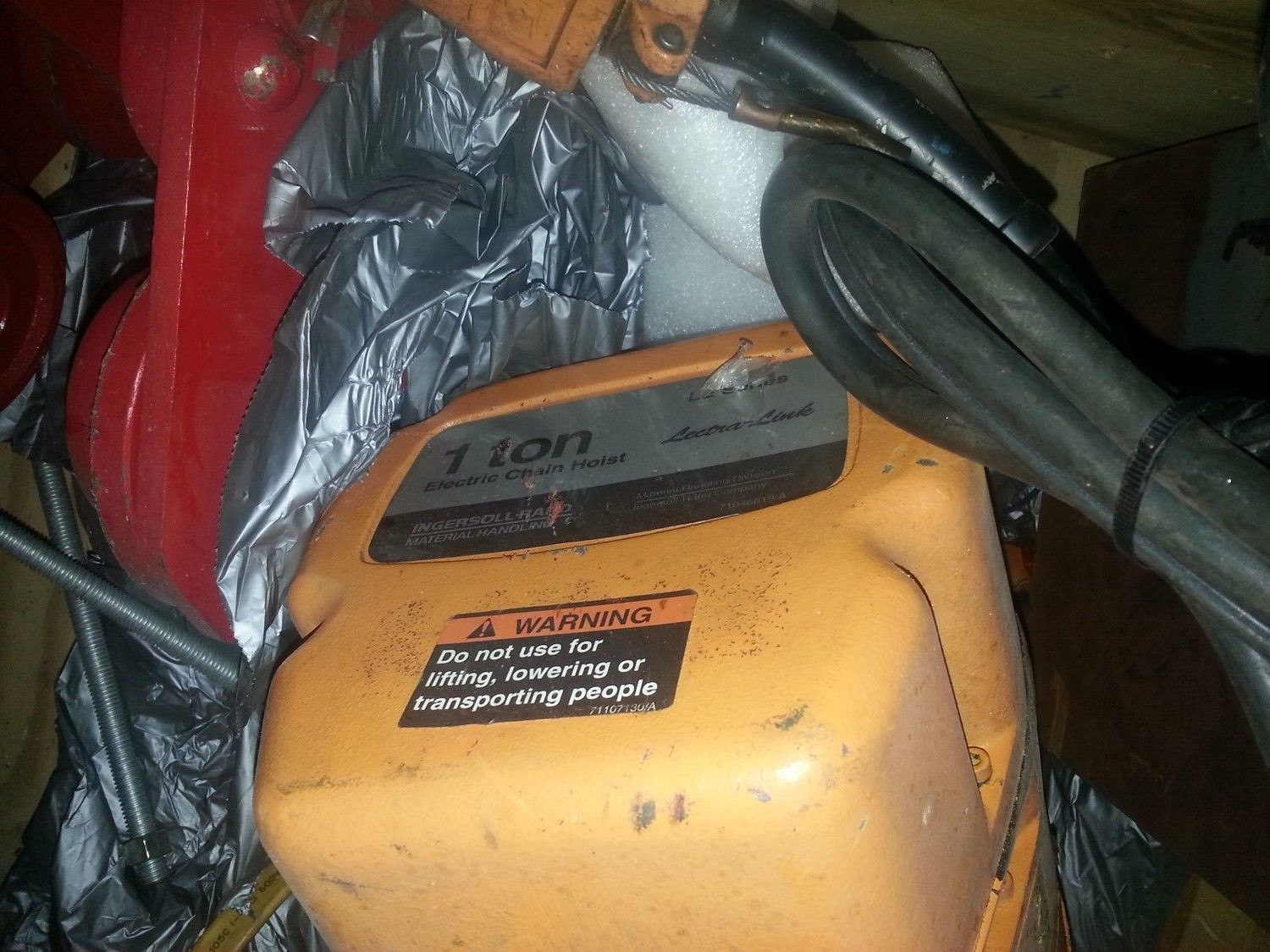 1 Ton Ingersol Rand Electric Hoist For Sale