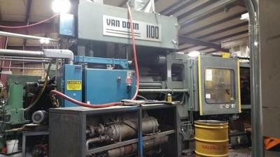 1,100 Ton Van Dorn Plastic Injection Molding Machine For Sale