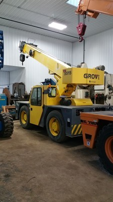 30,000lb. Capacity Grove Carry Deck Crane For Sale