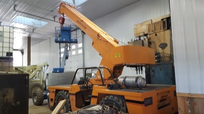 ​15 Ton Capacity Broderson Carry-Deck Crane For Sale