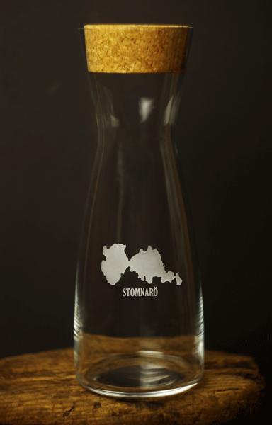 Karaff 1 liter med Stomnarösilluetten
