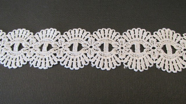 Double Fan - White Lace