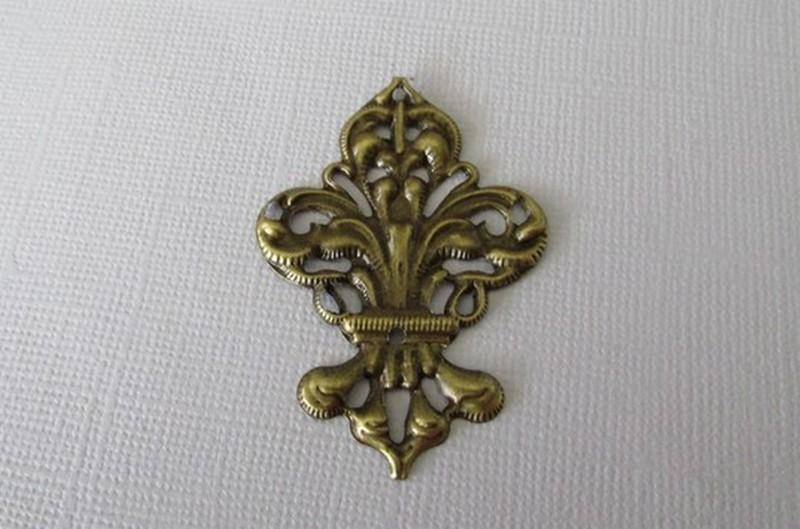 Bronze Filigree Fleur-de-lis