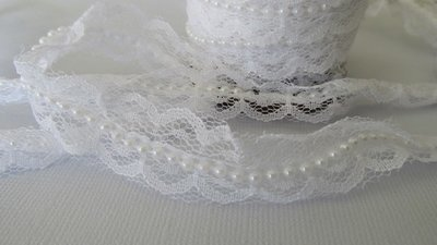 White Lace with White Pearls - 17mm